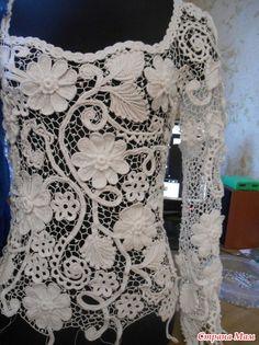Сборка свадебного платья в разгаре. Осталось собрать еще один рукав и верх почти готов, Останется по мелочам: постирать, отпарить, пришить пуговицы, расшить бусинами и приклеить стразики.
