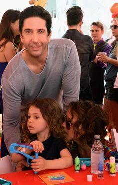 David Schwimmer, o Ross de 'Friends', apresenta a filha de 4 anos