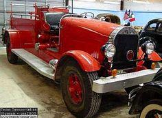 Buffalo Firetruck, camion pompier de 1924  La Buffalo Firetruck - engin de lutte contre le feu, cet ancien camion pompier fut fabriquée en 1924, carrosserie engin de lutte contre le feu.