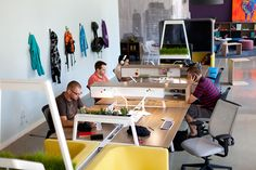How to pick the best desk for your office needs: If you work with multiple people