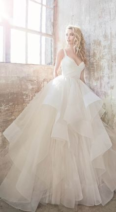 New wedding dresses by Hayley Paige for spring 2018 - tulle layered ball gown bridal gown - Bowie by Hayley Paige ❤️❤️