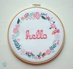 Hello Floral Wreath 8'' Modern Cross Stitch par VelvetPonyDesign