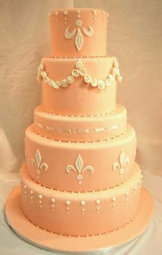 Multi patterned wedding cake