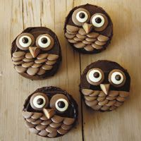magpie and cake: 7 Deadliest Halloween Recipes. Owl Cupcakes, Cute Cupcakes, Cupcake Cookies, Owl Cookies, Animal Cupcakes, Brownie Recipes, Cupcake Recipes, Icing Recipes, Cupcake Ideas
