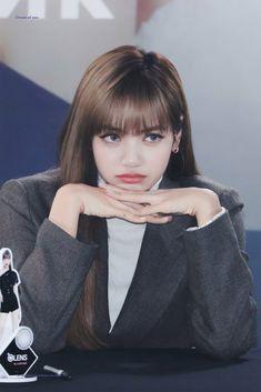 Blackpink Lisa, Blackpink Jennie, South Korean Girls, Korean Girl Groups, Rapper, Blackpink Members, Lisa Blackpink Wallpaper, Pelo Natural, Kim Jisoo
