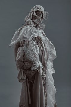 Model in sheer layered clothing Weird Fashion, Dope Fashion, Fashion Art, Fashion Show, Womens Fashion, Fashion Design, Mode Renaissance, Layering Outfits, Fabric Manipulation