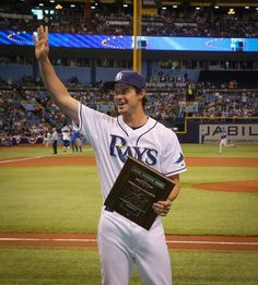 Tampa Bay Rays - Wil Myers with his 2013 AL Rookie Of The Year trophy ♥ presented at tonight's game 04/05/2014
