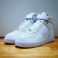 Go check out my Nike Air Force 1 Hi X Just Don on feet channel link in bio. Shop @kickscrewcom #nike #nikeshoes #forcefamily #airforce1 #af1 #af100 #donc #justdon #luxurystyle #sneakershout #shoegasm #todayskicks #kicksoftheday #complexkicks #sneakernews #sneakerporn #instakicks #solecollector #nicekicks #kickstagram #kicksonfire #igsneakercommunity #kicks #sneakerhead #sneakers #photography #kickscrew #photooftheday #streetstyle
