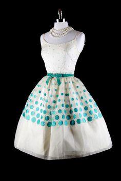 #dress #1950s #partydress #vintage #frock #silk #retro #teadress #petticoat #romantic #feminine #fashion #polkadotsprint
