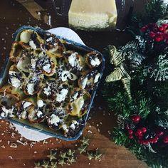 My baked pastry and Christmas scent  . . . . #food #foodie #foods #foodstagram #foodnetwork #foodaddict #foodtruck #foodography #foodblogger #foodblog #fooddiary #foodpornography #laprovadelcuoco #tortellini #cappelletti #igers #igersitalia #foodandwine #foodstyling #foodphoto #foodoftheday #foodshare #foodlovers #foodism #foodisfuel #foodiegram