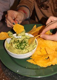 mousse di avocado con nachos homemade