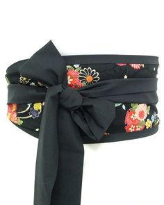 Make one like this, site has a detailed tutorial Obi belt Kimono Black by loobyloucrafts