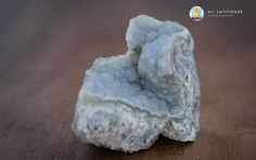 Chalcedony Crystal – The Stone of Communication