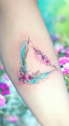 70 Awesome Watercolor Tattoo Designs for Women - Page 37 of 70 - Kornelia Beauty Mini Tattoos, Body Art Tattoos, New Tattoos, Small Tattoos, Pretty Tattoos, Unique Tattoos, Beautiful Tattoos, Tattoos For Daughters, Sister Tattoos