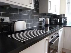 Kitchen Black Worktop Countertops Counter Tops 24 New Ideas Kitchen Black Counter, Black Kitchen Countertops, Kitchen Worktop, Kitchen Tops, Kitchen Cupboards, Kitchen Backsplash, New Kitchen, Kitchen Black Tiles, Kitchen Stuff