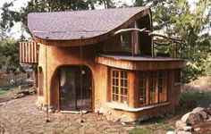 cob-house-canada I would be totally content living in this. Cabana, Natural Homes, Unusual Homes, Natural Building, Green Building, Earth Homes, Earthship, Small Places, The Ranch