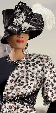 Donna Vinci Couture Church Hat (would look nicer without that huge feather.my opinion) Church Attire, Church Suits, Couture Skirts, Church Fashion, Fancy Hats, Big Hats, Derby Hats, Pulls, Suits For Women