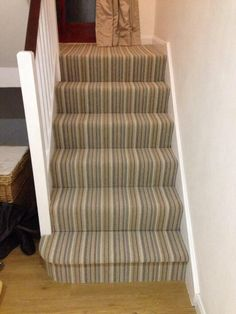 Meer strepen op de trap II (Piccadilly 232 Leicester) | More stripes on stairs II (Piccadilly 232 Leicester) (photo: Natural Born Flooring)