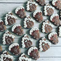 Who's baking cookies this weekend? 😍🍪 Inspiration from Cake Decorating For Kids, Cookie Decorating, No Bake Cookies, Christmas Cookies, Baking Cookies, Gingerbread Man, Gingerbread Cookies, Cakes For Men, Royal Icing Cookies