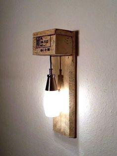 Möbel aus Paletten #Lampe #DaWanda #DIY ähnliche tolle Projekte und Ideen wie im Bild vorgestellt werdenb findest du auch in unserem Magazin . Wir freuen uns auf deinen Besuch. Liebe Grüße Mimi