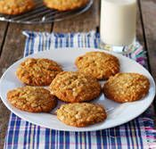 Happy Anzac Day!  These are Anzac biscuits (cookies) that are super delicious and super easy to make!  Even makes a great pie crust!