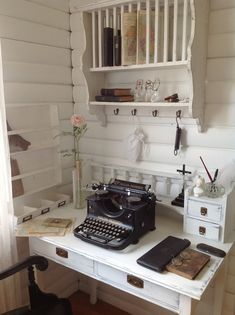 Office Space Secretary Whitewashed Chippy Shabby chic French country rustic Swedish decor idea