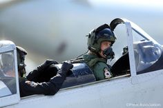 The Duke of Cambridge prepares for take off in a Chipmunk plane with Sqn Ldr Duncan Mason @RAFBBMF @RAFCGY