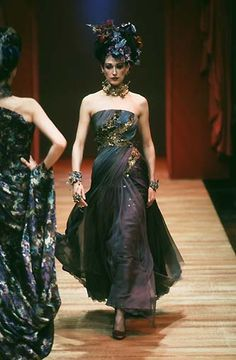 Christian lacroix fall 2001 couture pinterest haute for Couture vs haute couture