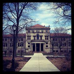 Lunt Hall, where I dozed thru many Calc classes as a Freshman.