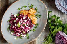Der Food-Blog, der es dir leicht macht. Das einfache, gelingsichere Rezept für Rotkohl Salat mit einer Schritt-für-Schritt-Anleitung in Bildern.