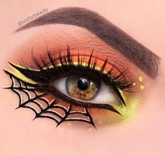 Are you looking for ideas for your Halloween make-up? Check out the post right here for cute Halloween makeup looks. Maquillage Halloween Vampire, Maquillage Halloween Simple, Halloween Eyeshadow, Cute Halloween Makeup, Halloween Looks, Cute Makeup, Makeup Art, Pretty Witch Makeup, Makeup Ideas