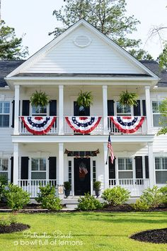 Patriotic Porch via A Bowl Full of Lemons
