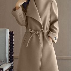 fall coats for women chic Hijab Fashion, Fashion Dresses, Outfit Des Tages, Daytime Outfit, Jackett, Fashion Sewing, Coat Dress, Winter Fashion, Fashion Trends
