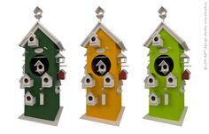 Конструкция для представления товаров для птиц: кормушек и различного вида домиков.