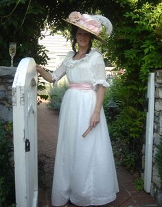 After looking and looking I've found the origin of a picture of a dress similar to what I want my bridesmaids to wear.