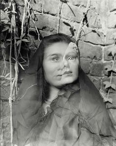 Clarence John Laughlin - the masks grow to us BNF - Portraits/Visages