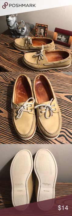 Gold Cup Sperry Top-Siders Comfortable and in good condition. Mostly worn indoors. Loafer Flats, Loafers, Sperry Topsiders, Gold Cup, Sperry Shoes, Top Sider, Sperrys, Boat Shoes, Fashion Design