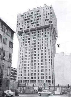 Torre Valesca - Giancarlo de Carlo e Ernesto Rogers (1958) (p.525)