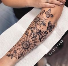 Forarm Tattoos For Women, Mandala Tattoos For Women, Dope Tattoos For Women, Hand Tattoos For Girls, Black Girls With Tattoos, Spine Tattoos For Women, Half Sleeve Tattoos Forearm, Unique Half Sleeve Tattoos, Dainty Tattoos