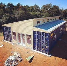 Wonderful Veranda Shipping Container House - USA - Living in a Container Shipping Container Workshop, Shipping Container Buildings, Shipping Container Home Designs, Shipping Containers, Shipping Container Storage, Container Shop, Storage Container Homes, Cargo Container, Container Architecture