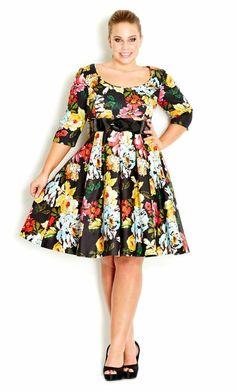 look femme ronde robe florale