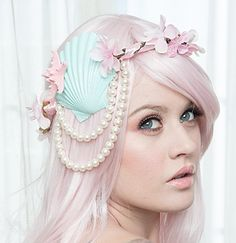 Mint Mermaid Crown  I want.