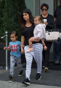 Kourtney Kardashian Photos: The Kardashian Klan Is Off To The Hamptons In A Helicopter