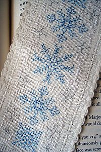 FREEBIE- White Christmas bookmark - kreinik.com