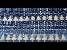 Winter trees on a rigid heddle loom - Bing video Weaving Tools, Card Weaving, Tablet Weaving, Weaving Projects, Weaving Art, Loom Weaving, Weaving Textiles, Weaving Patterns, Loom Bands