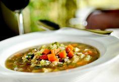 Minestrone de verdura e legumes do restaurante Spadaccino (Foto: Tadeu Brunelli / Divulgação)