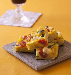 Tortilla aux tomates, chèvre et curcuma - Recettes de cuisine Ôdélices