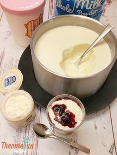Foolproof instructions for making yoghurt in a Thermomix Thermomix Recipes Healthy, Thermomix Desserts, Yogurt Recipes, Baby Food Recipes, Cooking Recipes, Coconut Yogurt Recipe Thermomix, Thermomix Icecream, Brunch Recipes, Cooking Time