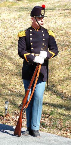 Uniform Packages | United States Marine Corps Historical Company Marine Corps Uniforms, Us Army Uniforms, Marine Corps Emblem, Marine Officer, Marine Corps Bases, Marine Corps Quotes, Marine Corps History, Female Marines, Us Marines