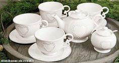 Čajník so srdiečkom